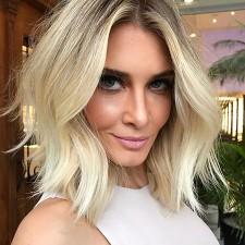 trendy-short-pinned-blonde-bob-hairstyle